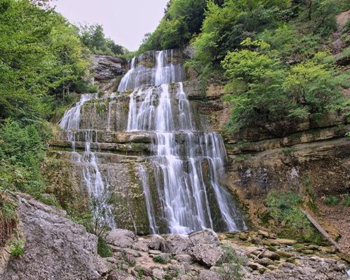 Location de gîte Lac Saint Point vacances dans le haut Doubs : à découvrir dans la région les cascades du Hérisson