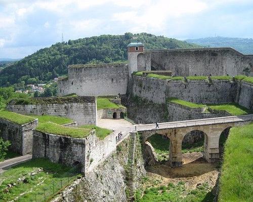 Location de gîte Lac Saint Point : à découvrir dans la région la Citadelle de Besançon