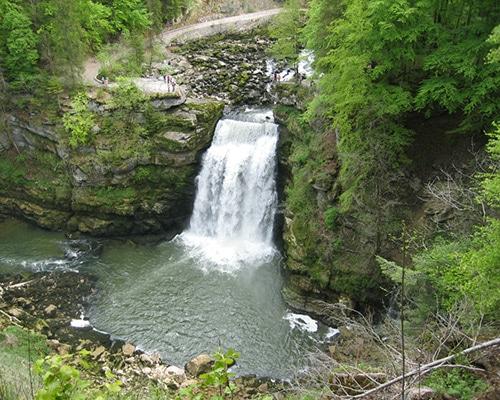 Location de gîte Lac Saint Point vacances dans le haut Doubs : à découvrir dans la région le Saut du Doubs
