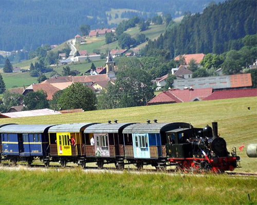 Location de gîte Lac Saint Point vacances dans le haut Doubs : à découvrir dans la région le Train Conifer